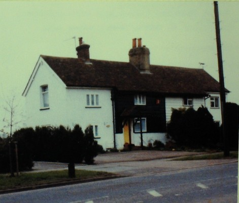 An 18th Century Cottage, the brick extensions date from the 1960s. Photo 2000 | Iain Bickerton