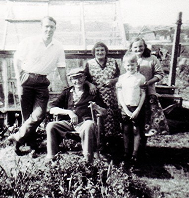 Terry Chapman, Percy and Lily Crouch, Vincent Chapman and Annie Stratton | Geoff Webb