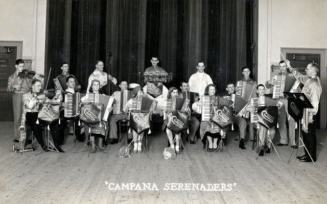 Campana Seranaders Gypsy Band