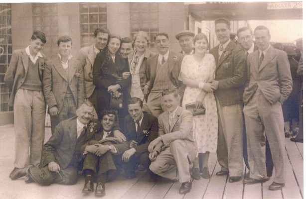 Christies Brewery Staff Outing   Local Studies Image Collection