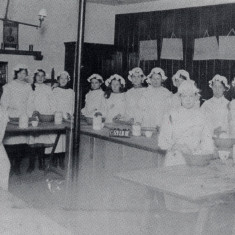 These girls are having a cookery class at the Abbey Schools Institute, St. Albans, c.1911 | St Albans in Camera