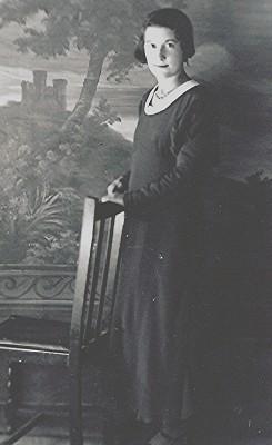 Dorothy Lawrence   Geoff Webb