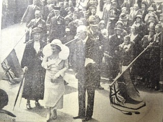 The arrival of the Dutchess of York with the Lord Lieutenant of Hertfordshire, Viscount Hampden | Herts and Essex Observer 20 May 1933, page 5