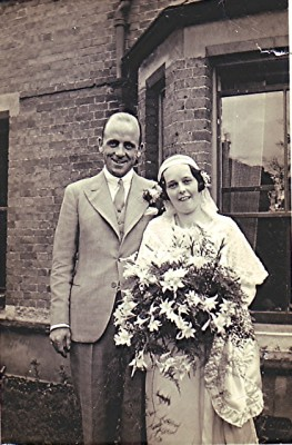 Marriage of Ewart Mimmack and Hildred Gardner | Geoff Webb