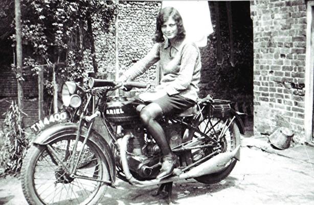 Edie Hopcroft and bike | Geoff Webb