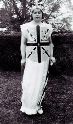 Edith Hewitt, 1937 | Geoff Webb