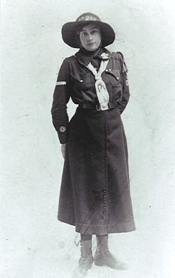 Edith Tingey, c.1917 | Geoff Webb