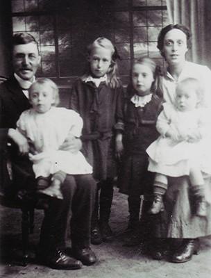 The Elborn Family | Geoff Webb