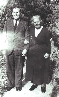 Elizabeth & Ernest Peck | Geoff Webb