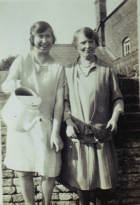 Flo Dayton and Ethel Abbott | Geoff Webb