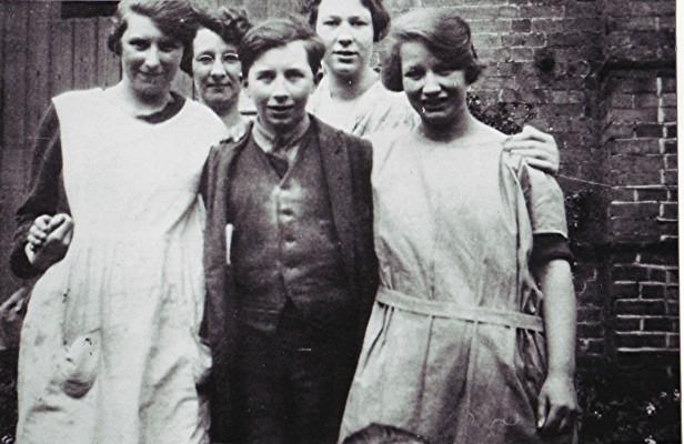 Left to right: Flo Archer, Ada Turner, Tom Bennett, Rose White, Gert Brewer. | Geoff Webb