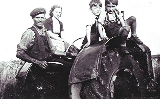 Bob Walton with Maude Palmer, John Bartley and Ron Walton. | Geoff Webb