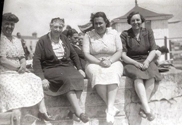 Methodist Group at Southend, c.1950 | Geoff Webb