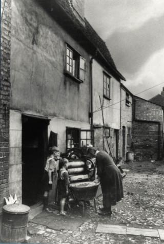 George Yard, Amwell End, 1930s