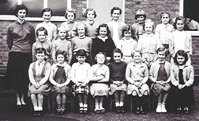 Girls School Class, 1960 | Geoff Webb