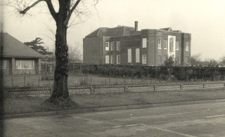 1960.  The bungalow to the left had just been built for the caretaker of the private member's club that never was | Hertfordshire Archives & Local Studies (D/EHwZ8)