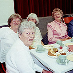 Left to right: The Fairey sisters, Gladys, Edith (front), Dorothy and Joan, sitting with Joan Fox | Geoff Webb