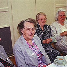 Left to right: Vera Healing, Doris Pacey, Gladys and Jean Harborough and Rene Fensome | Geoff Webb