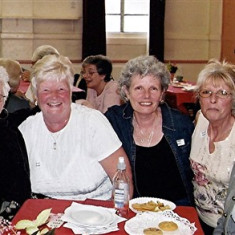 The Bird sisters (left to right): Lily, Rita, Doreen, Eileen and Sybil | Geoff Webb