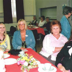 (Left to right): Pat Friar, Monica Bigham, Shelda May and her sisters Yvonne &  ? | Geoff Webb