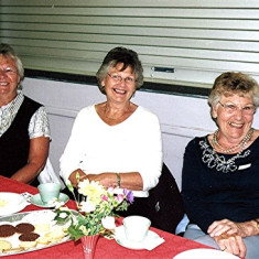 The Reading sisters (left to right): Jean, Margaret & Iris | Geoff Webb