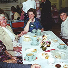 Left to right -  Delia Robertson, Jean Smith, Ruth Hobbs, Betty Peacock, Betty Hall | Geoff Webb