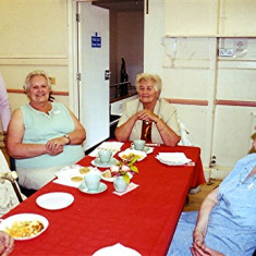 (Left to right): Muriel Draper, Janet Biggs (standing), Annie and Edna Fensom, Freda Coote | Geoff Webb