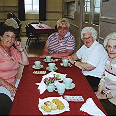 (Left to right): Rosalind Brett, Janet & Beryl Batchelor, Joyce Brett. | Geoff Webb