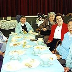 Left to right: Edith & Ellen Collins, Win Fry, Eva Fox, Rose Large, Phyllis Gurney and Beryl Fry | Geoff Webb