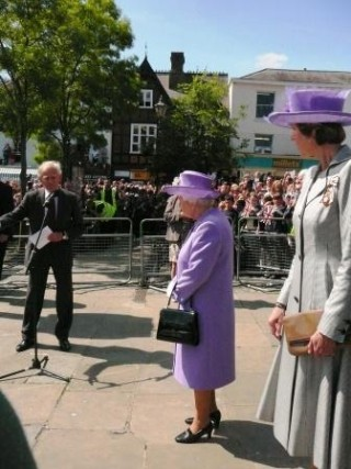 The Queen was welcomed to Hitchin by her cousin, Sir Simon Bowes Lyon | Afsi Ecuyer, Rosemary Ransome, Scilla Douglas and David Cannon
