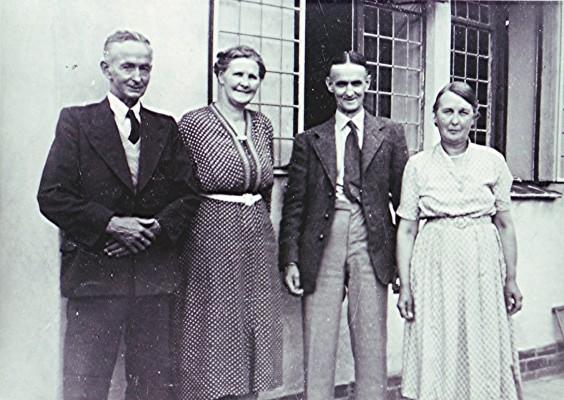 Halsey Relatives 1920   Geoff Webb