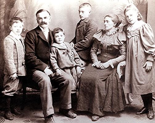 The Harborough Family | Geoff Webb