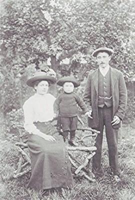 The Hewitt family, c.1920 | Geoff Webb