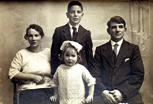 Hoar family   Geoff Webb