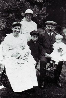 The Hoare family | Geoff Webb