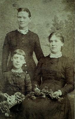 Howe family | Geoff Webb