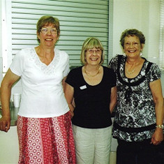 Helpers, left to right: Gill Palmer, Christine Dickinson, Joan Mimer | Geoff Webb