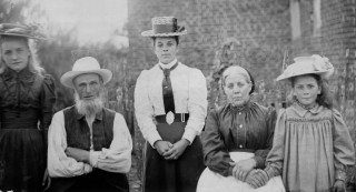 The Nobes family of Brick House Farm, 1900 | Hertfordshire Archives and Local Studies