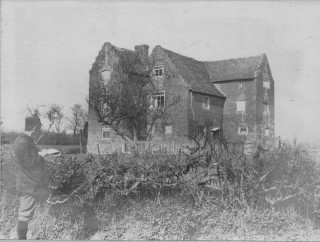 Antiquarian Andrew Whitford-Anderson sketching the Brick House | Hertfordshire Archives and Local Studies