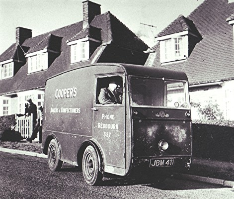 Jack Cooper delivering in Nicholls Close | Geoff Webb