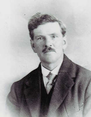 Jack Holt Snr.   Geoff Webb