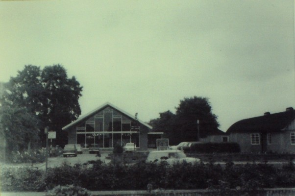 Goffs Oak Library, Valley View, August 1969. The Village Hall is on the right | Iain Bickerton