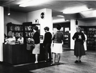 Harpenden Library, 1967 | Hertfordshire Archives & Local Studies