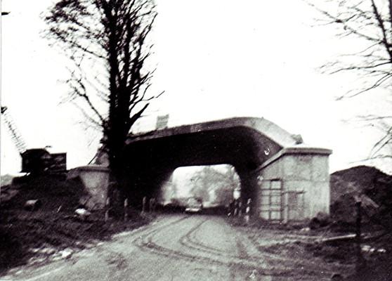 A photo of the M1 bridge construction in 1958 | Geoff Webb