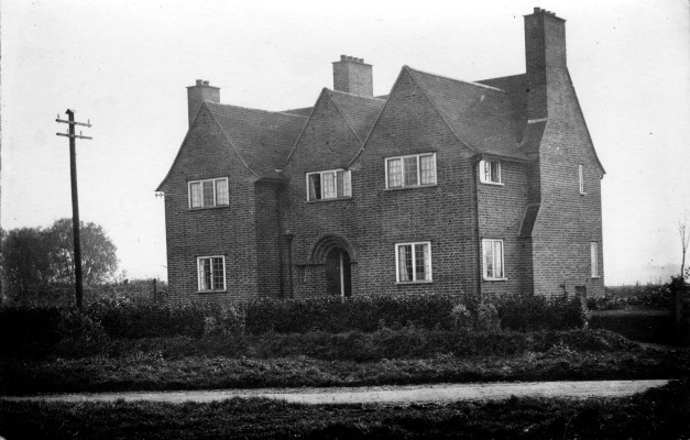 Mardleybury Farmhouse, front view, c.1914 | Photo Credit: JWM Wallace