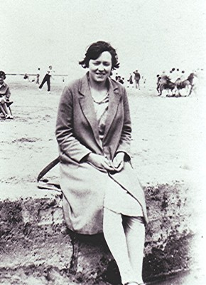Maud Fox, c.1921 | Geoff Webb