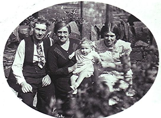 Miles Family | Geoff Webb