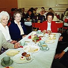 Left to right: Daphne Mills, Nancy Draper, Beryl Burchmore, Molly Powell, Freda Brewer, Annie Taylor. Rear: Geoff Webb   Geoff Webb