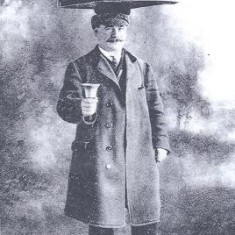 Mr Day, the Muffin Man of Royston, c1910