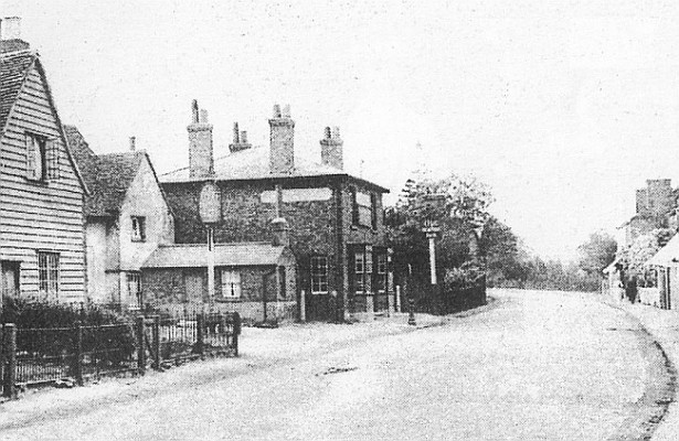 New and Old Star Inn, Wormley, circa 1925 | https://pubshistory.com/HertsPubs/Wormley/NewStarInn.shtml